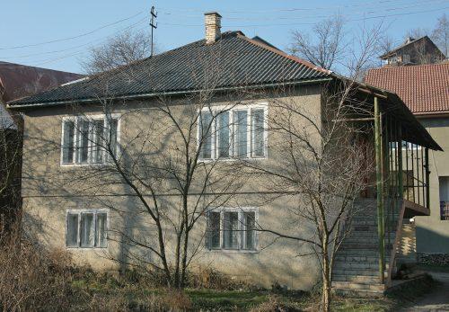 продам будинок рахів 0937313030